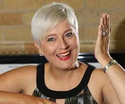 Tina Petroni @ Campbelltown RSL